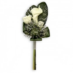 Bouquet de cala y rosas para alfileres