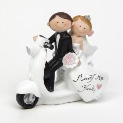 Muñecos para tarta de boda. Novios en moto